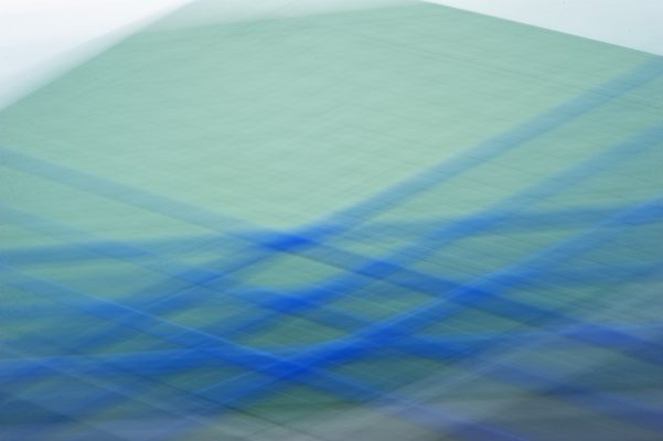 Fotografia artistica composicion de lineas y colores verdes y azules