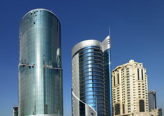 Arquitectura moderna en Doha, Qatar.