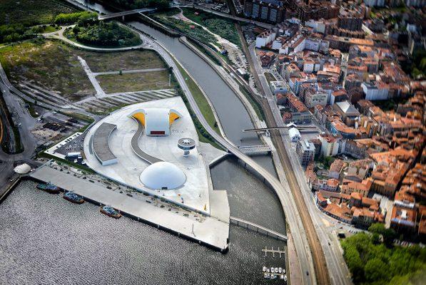 Fotografía aerea, centro Niemeyer, Avilés. Asturias.