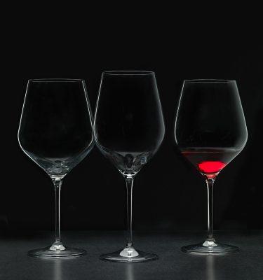 Fotografía de tres copas de vino - Dkristal, Siero, Asturias.