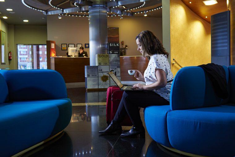"""Foto promocional para Cafés Oquendo: Comercial de la marca en el Hotel Silk """"Ciudad de Gijón"""""""